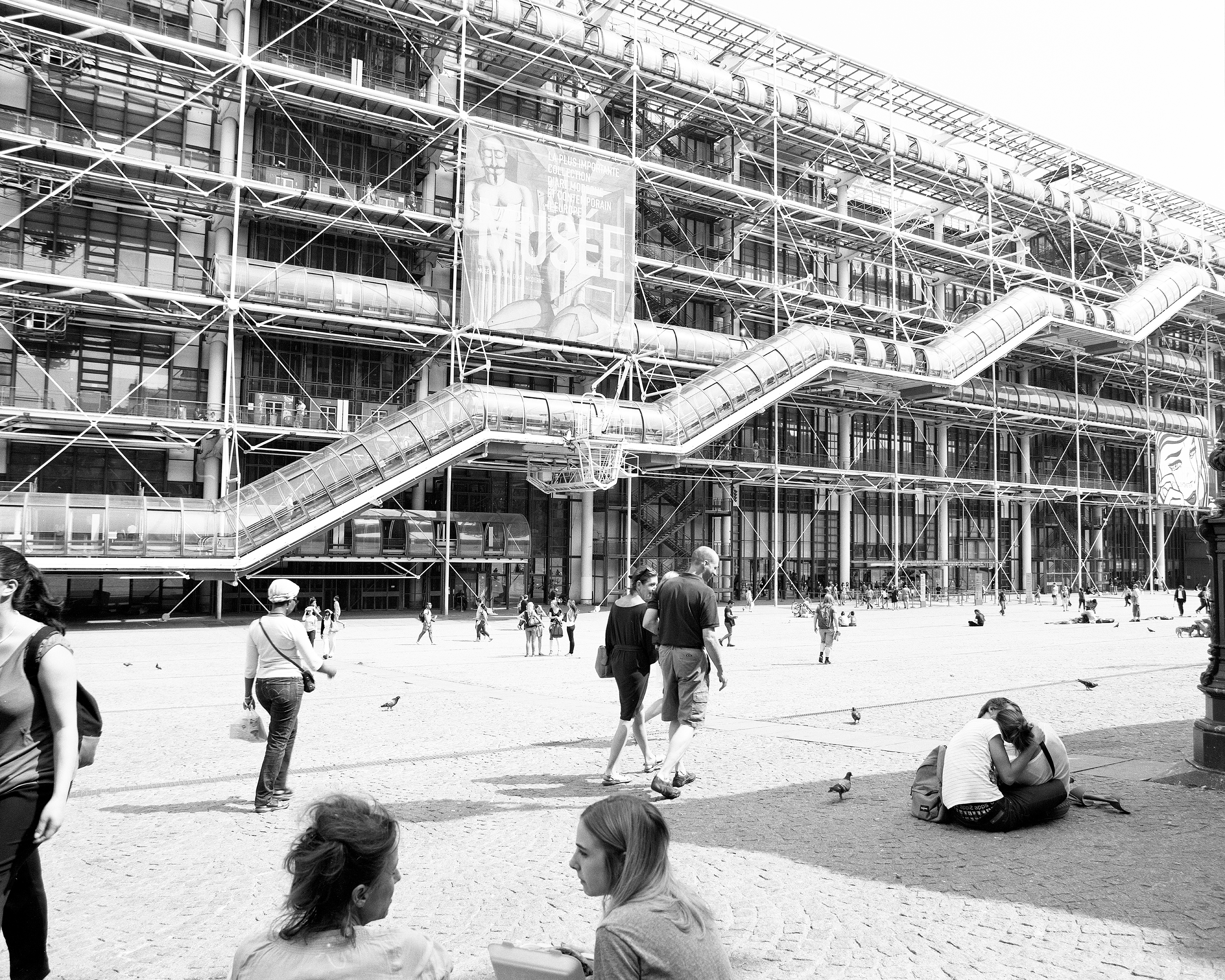 pompidou                 centre people paris france museum modern art black and white                 street Photography